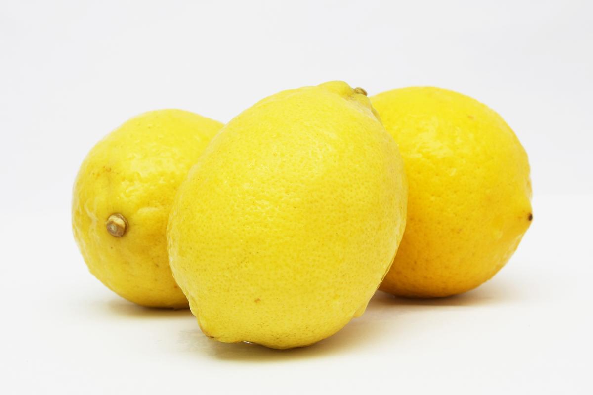 Lemon Remove Hard Water Spots