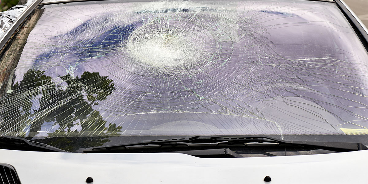 can you drive with a cracked windshield
