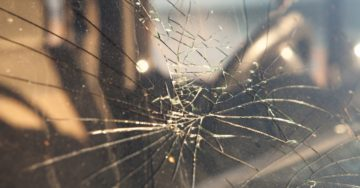 the dangers of driving with a cracked windshield
